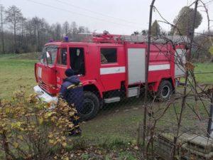 Пожежники не змогли дістатись до потяга, який загорівся