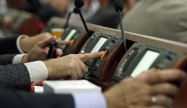 У Полонській ОТГ депутат голосував за виділення собі земельної ділянки