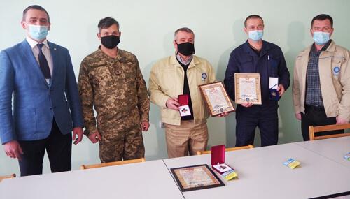Атомники з Нетішина отримали нагороди від ЗСУ