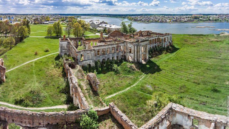 В Ізяславській ОТГ відреставрують садибу Сангушків за більш, ніж 400 мільйонів гривень