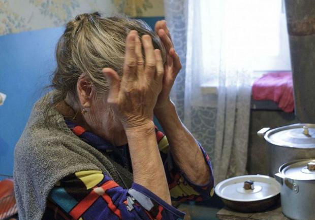 """На Хмельниччині шахраї знову """"в дії"""": 80-річну пенсіонерку ошукали на 40 тисяч гривень"""