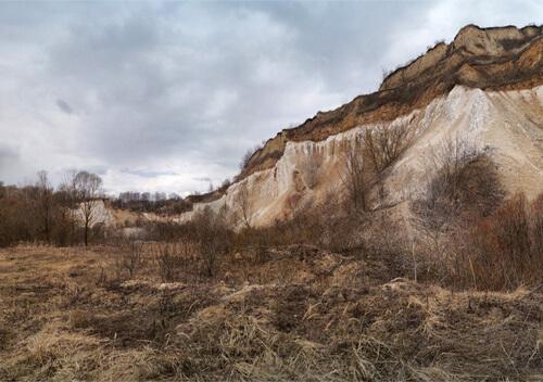 У Шепетівському районі селянин впав у кар'єр
