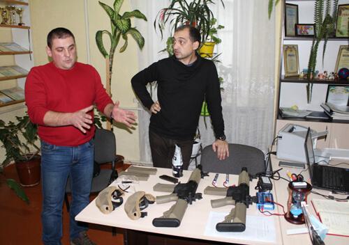 У Славуті придбали страйкбольне обладнання для молоді