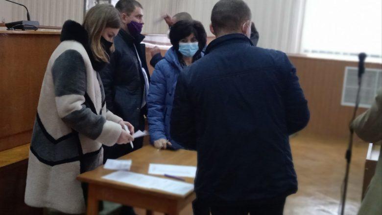 Таємним голосуванням депутати Шепетівської ОТГ обрали секретаря ради