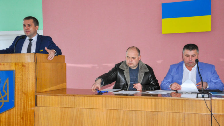 У Білогірській селищній раді відбулася перша сесія