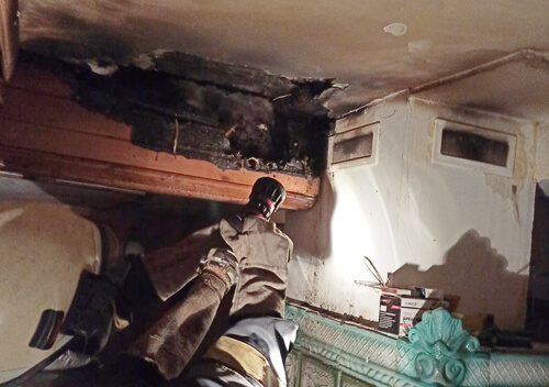 У Полонській ОТГ через несправну піч загорівся будинок