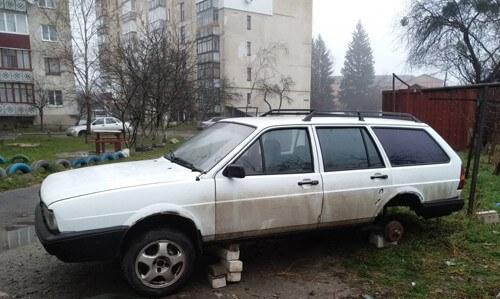 У Шепетівці знову викрали автомобільні колеса