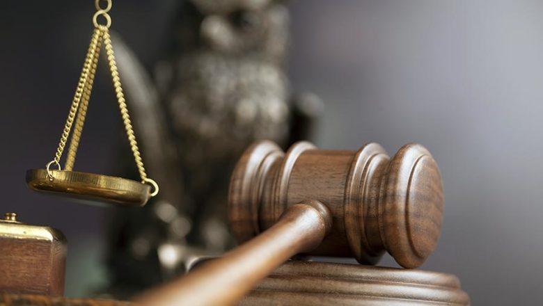 Полончанин оскаржував рішення про звільнення з роботи у суді