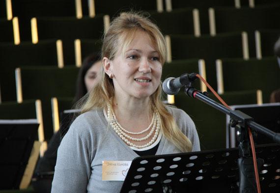 До Всеукраїнського дня бібліотек поетеса з Ленковеччини подарує свою збірку