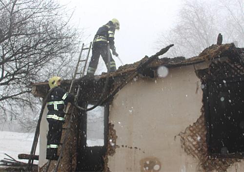 На Ізяславщині після пожежі знайшли два тіла