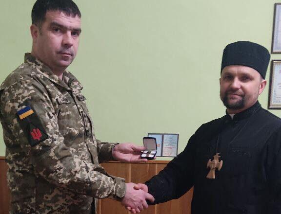 Шепетівський капелан отримав відзнаку Командувача об'єднаних сил