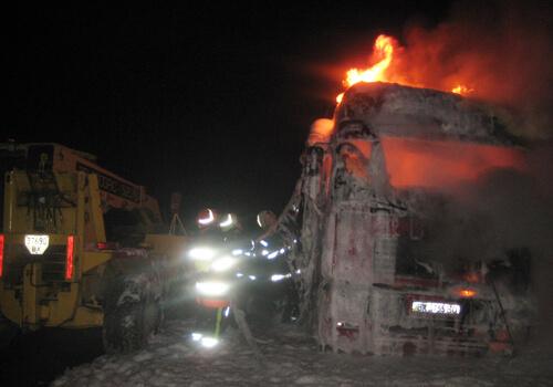 У Білогір'ї на парковці згоріли дві фури