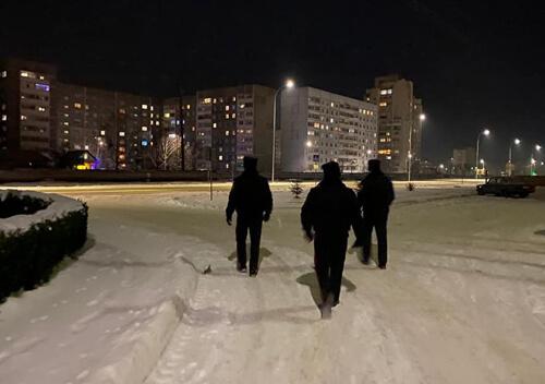 У Нетішині козаки допомагають поліцейським патрулювати місто