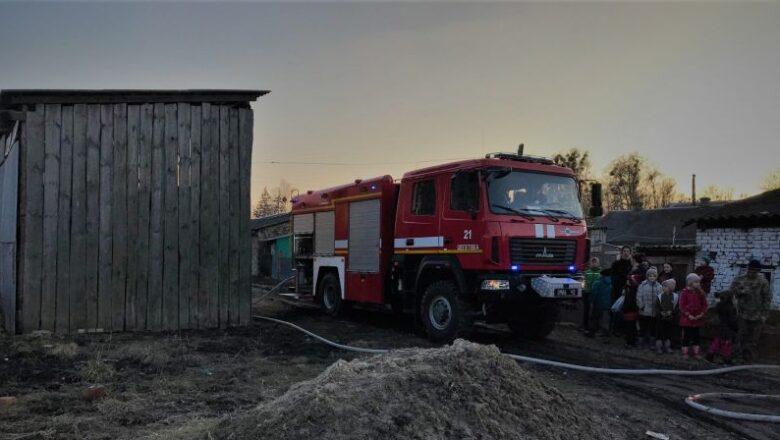 У Шепетівському районі згоріло 3 тонни сіна