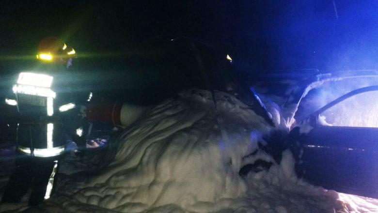 На Шепетівщині під час руху загорілося легкове авто
