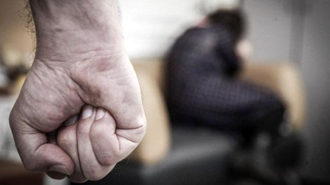 У Полонному чоловіка покарали за домашнє насильство