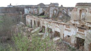 Сангушко, Ізяслав, руйнування палацу, культура