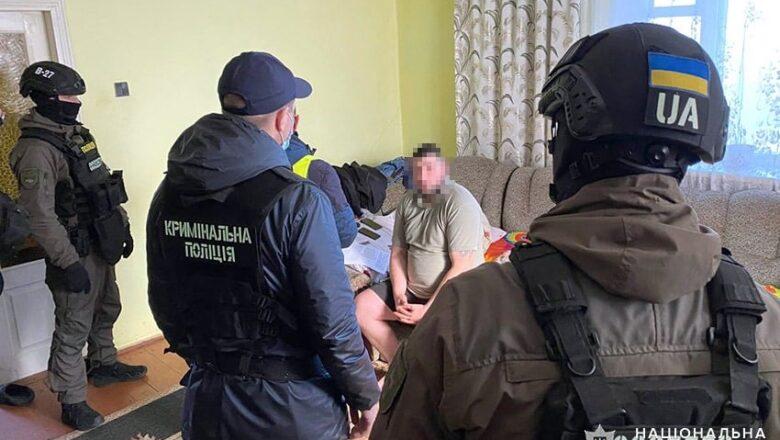 Правоохоронці знайшли вкрадений «Лексус» у Славуті