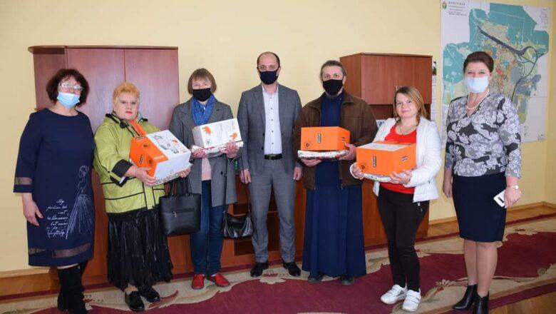 Чотири прийомні сім'ї у Шепетівській ТГ підтримують інститут дитинства