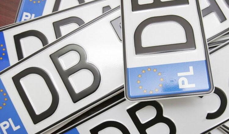 Зеленський підписав закон про «євробляхи». Що зміниться?