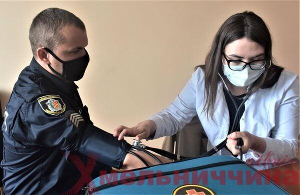 Поліцейські в Шепетівці вакцинувалися від COVID-19