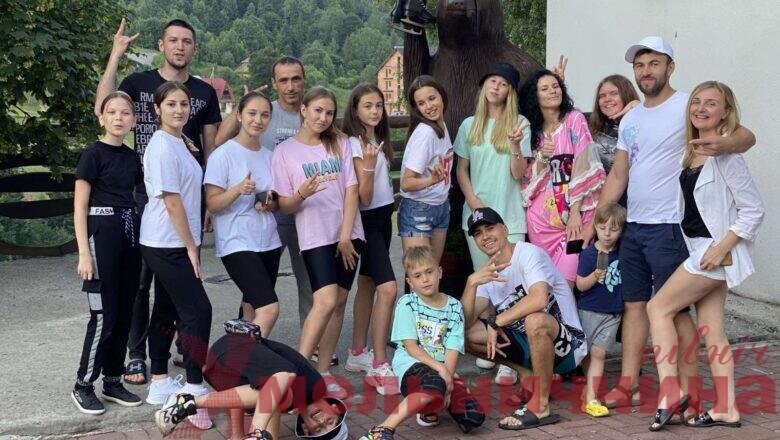 """Шепетівський спортивно-бальний клуб """"Інеш"""" організував танцювальні збори в Карпати"""