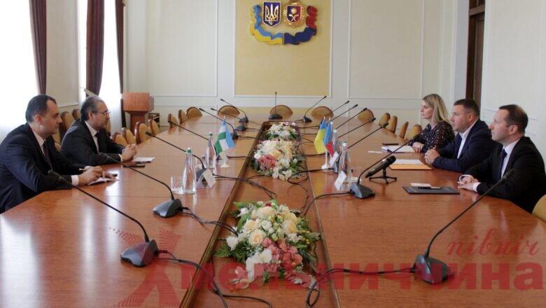 На Хмельниччині обговорили напрямки співпраці з Узбекистаном