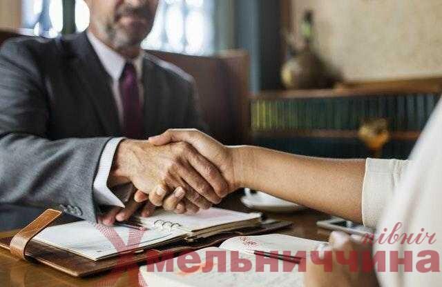 Топ-10 вакансій на ринку праці Хмельниччини: кого потребують та скільки платять