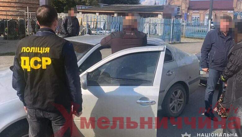 У Шепетівському районі затримали голову громади: чоловіка підозрюють у хабарництві