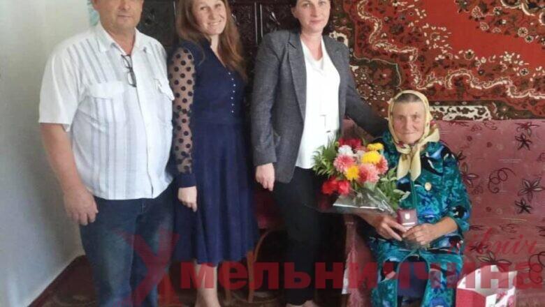 """Багатодітній матері з Судилківщини присвоїли звання """"героїні"""""""
