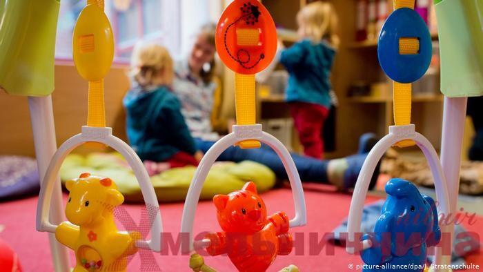 У Шепетівці під час карантину працюють чергові дитячі садки